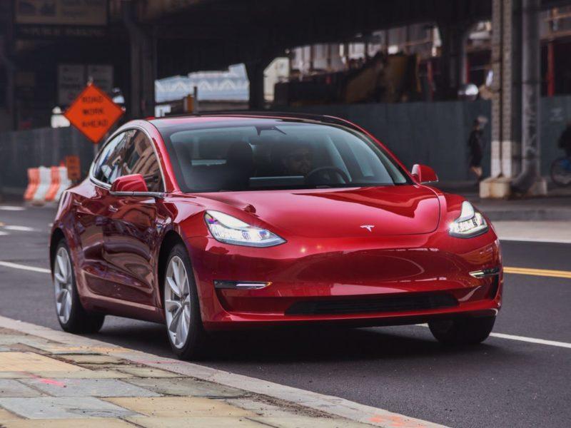 Tesla Model Y dolazi kupcima prije rasporeda i s dodatnim rasponom